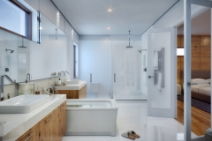 12-Canarias_Interiors-Master_Bathroom-R02-HR